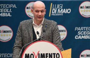 M5S, Di Maio sceglie l'olimpionico di nuoto Domenico Fioravantiper il ministero dello Sport.