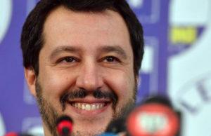 """Matteo Salvini: """"la squadra con cui governare è di centrodestra.Nessun accordo con il M5S""""."""