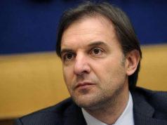 Massimo Bitonci -membro della V Commissione (Difesa) dal 21 giugno 2018. GIà Senatore nelle legislature XVII.